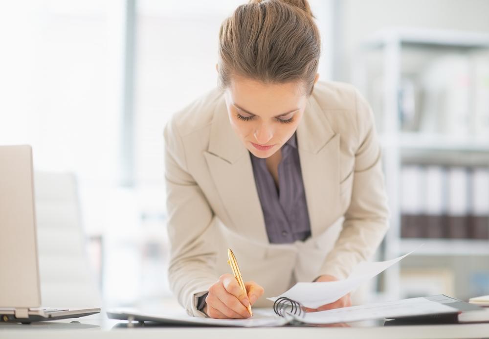 労務の仕事内容とは?人事との違いや業務に活かせるおすすめ資格15選