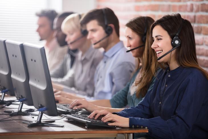 コールセンターの仕事内容を徹底解説!インバウンドやアウトバウンドの意味とは?